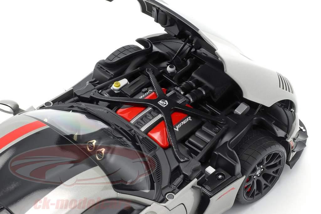 Dodge Viper ACR Bouwjaar 2017 billet zilver metalen / zwart / rood 1:18 AUTOart