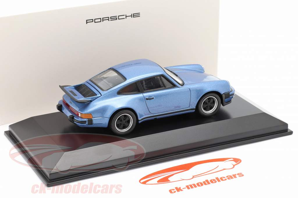 Porsche 911 Turbo anno 1974 blu metallico 1:43 Welly