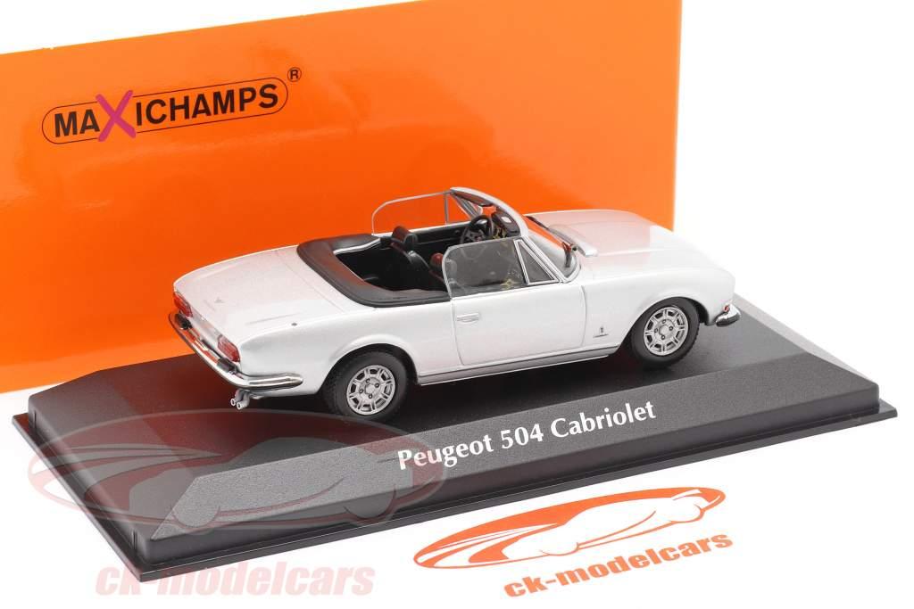 Peugeot 504 Cabriolet Bouwjaar 1977 zilver metalen 1:43 Minichamps