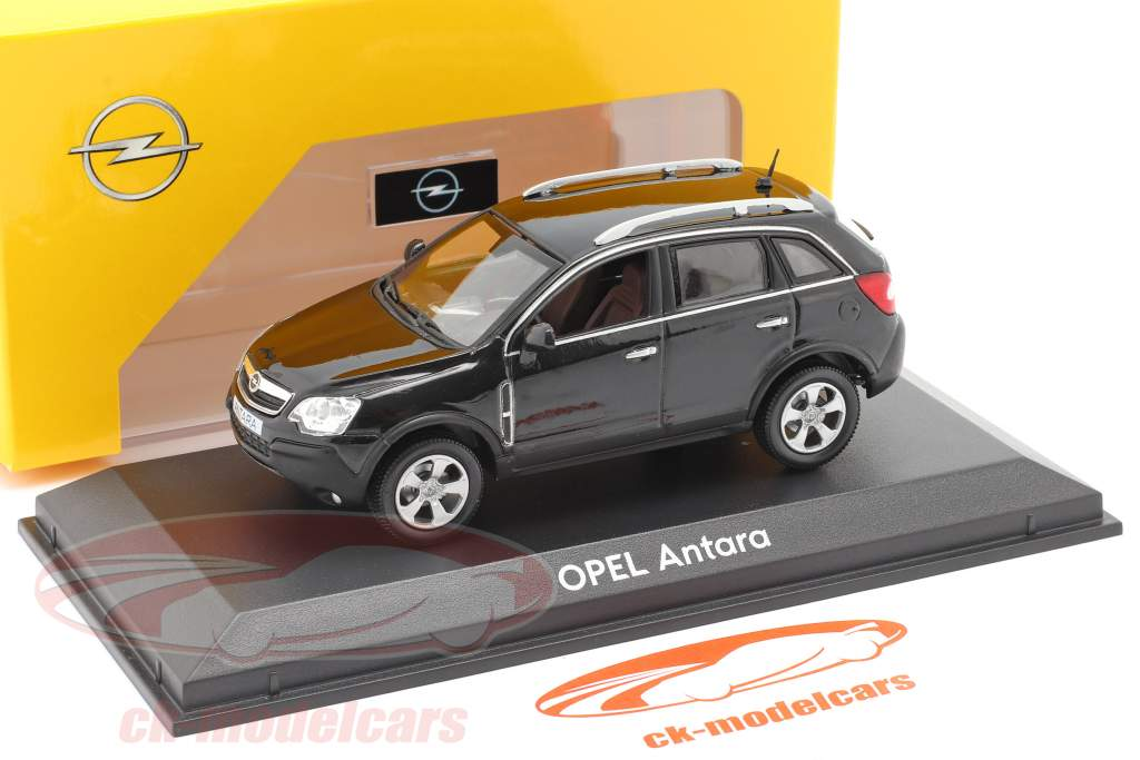 Opel Antara sort 1:43 Norev