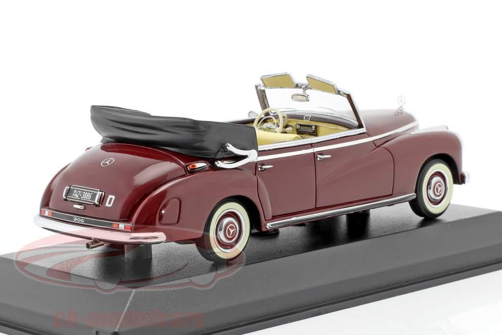Mercedes-Benz 300 Cabriolet (W186) año 1952 Media roja 1:43 Minichamps