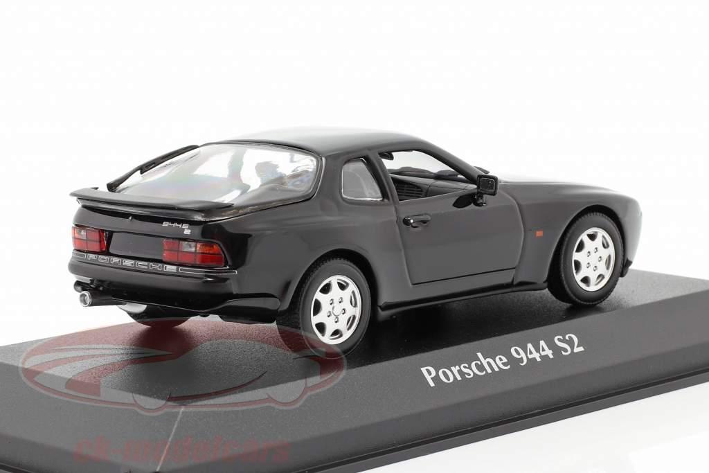 Porsche 944 S2 Byggeår 1989 sort 1:43 Minichamps