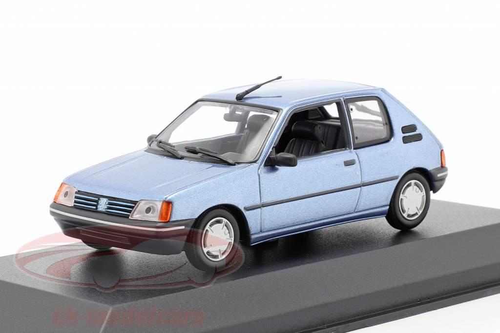 Peugeot 205 Byggeår 1990 lys blå metallisk 1:43 Minichamps