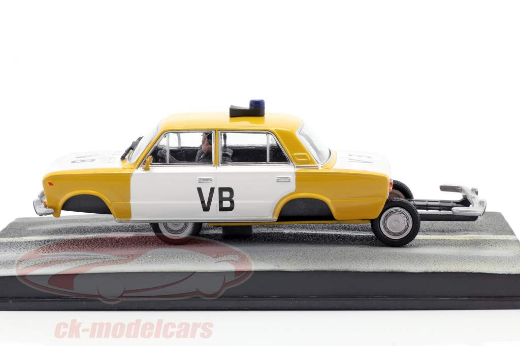 Lada 1500 del coche de la película de James Bond The Living Daylights 1:43 Ixo