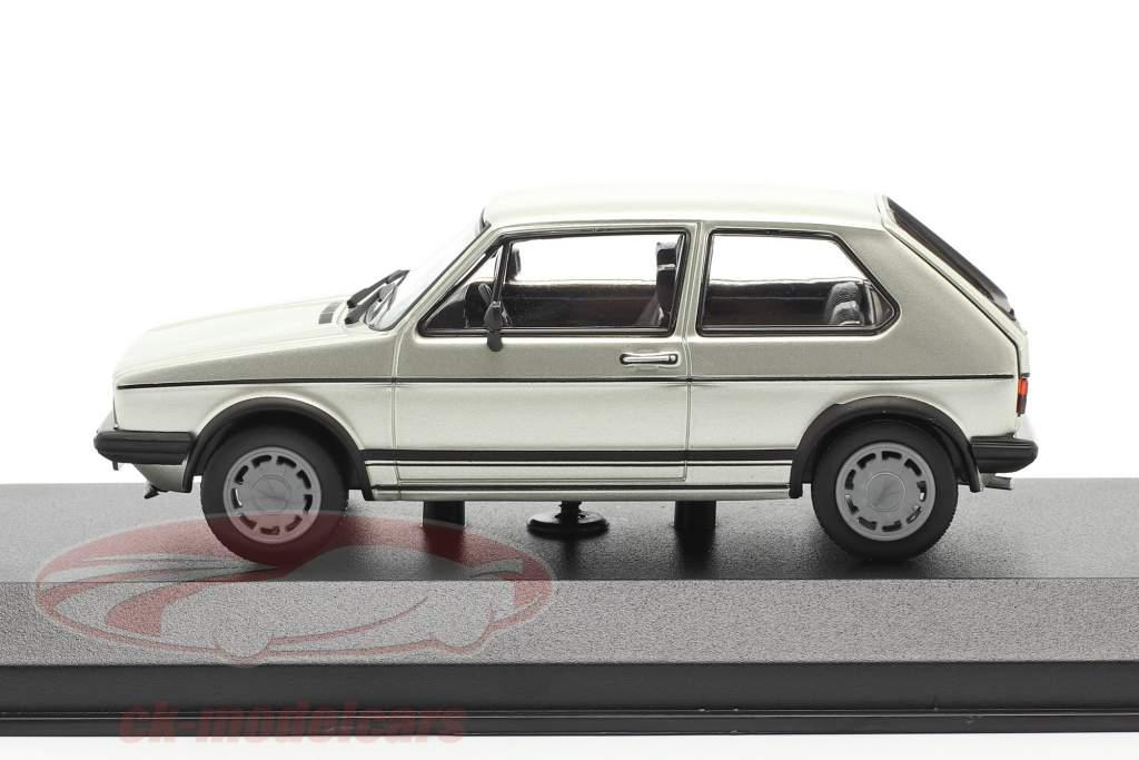 Volkswagen VW Golf 1 GTI Byggeår 1983 sølv metallisk 1:43 Minichamps