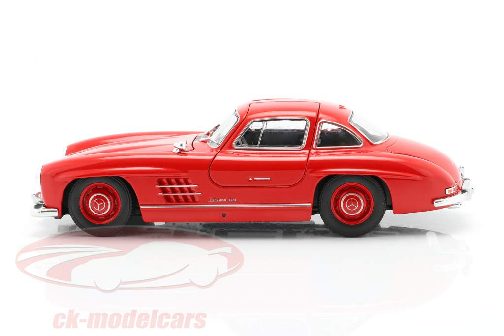 Mercedes-Benz 300 SL rouge 1:24 Welly