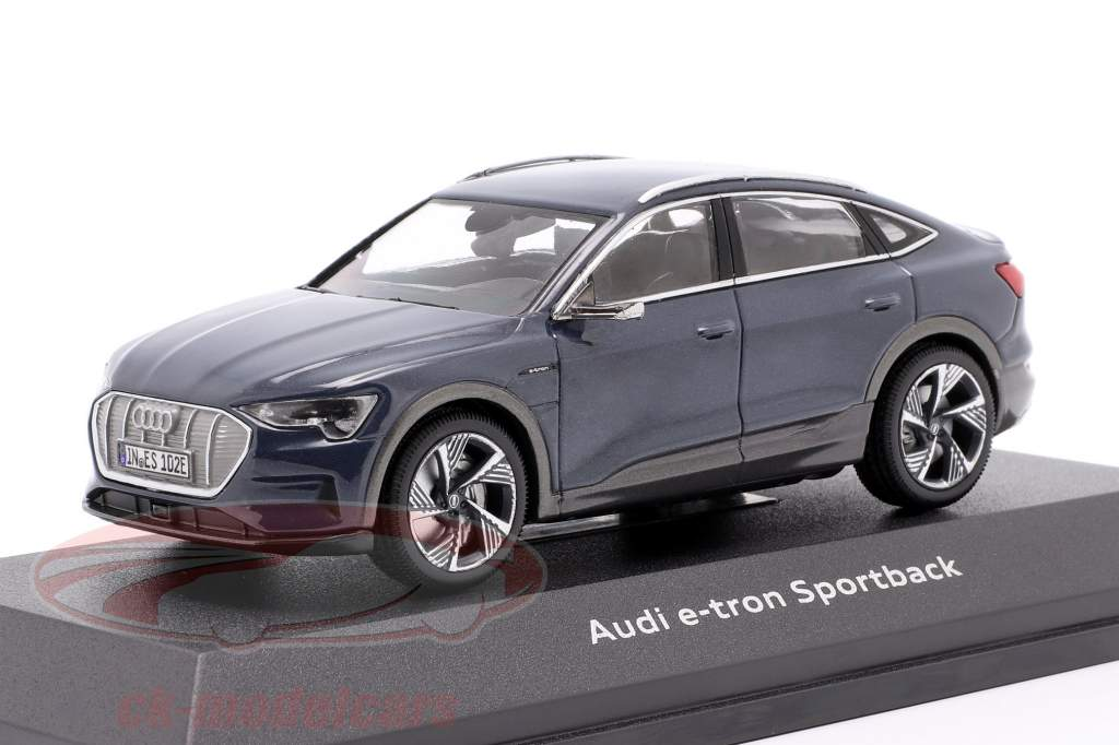 Audi e-tron Sportback Byggeår 2020 plasma blå 1:43 iScale