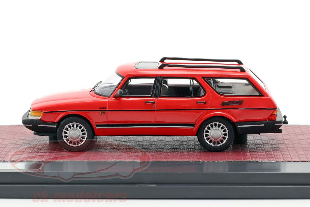 Saab 900 Safari Baujahr 1990 rot 1:43 Matrix