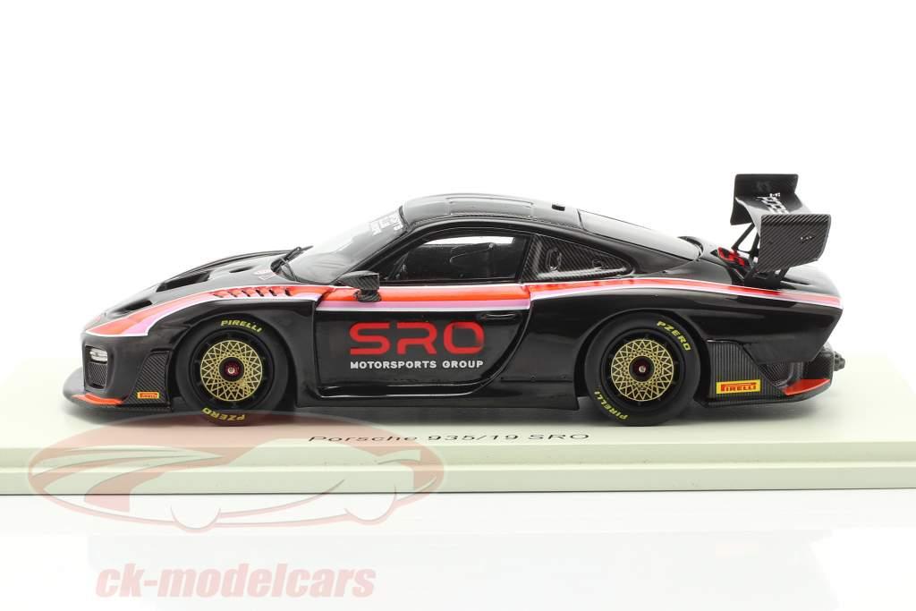 Porsche 935/19 SRO schwarz / rot / orange / pink 1:43 Spark