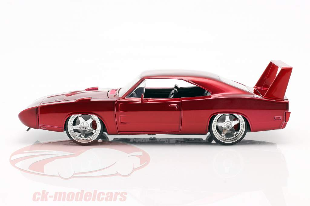 Dodge Charger Daytona Year 1969 Fast and Furious 6 2013 red 1:24 Jada Toys