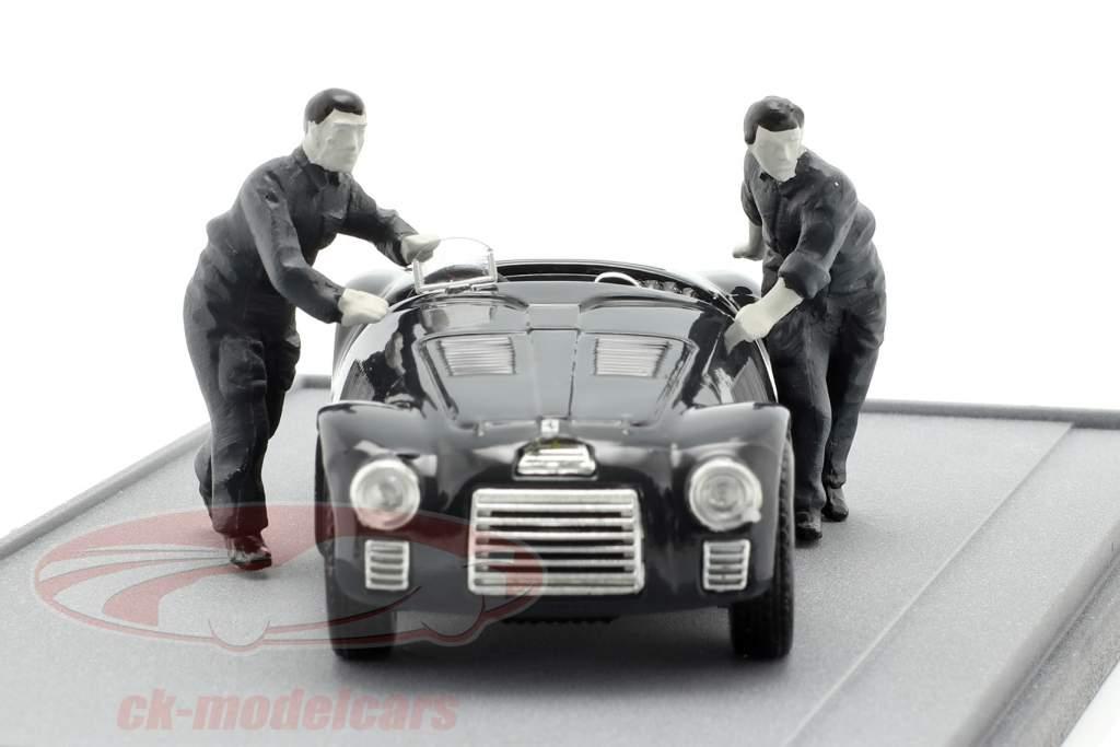 Fabrica Ferrari Maranello 1947: Ferrari 125S with two mechanics black / white 1:43 Brumm