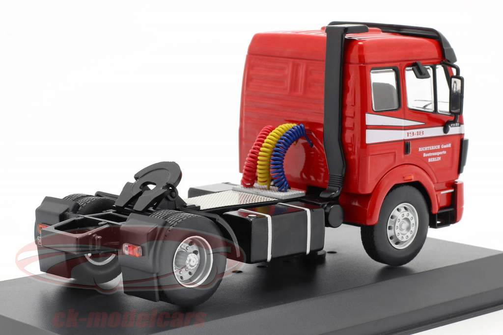Mercedes-Benz SK 1948 Camion Anno di costruzione 1990 rosso 1:43 Ixo