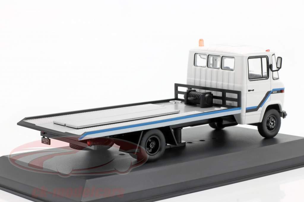 Mercedes-Benz L608 D Caminhão de reboque Ano de construção 1980 Branco 1:43 Ixo