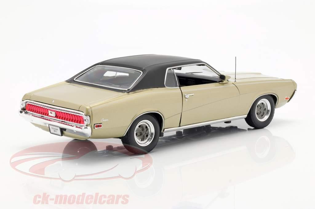 Mercury Cougar XR7 Year 1970 gold 1:18 Welly