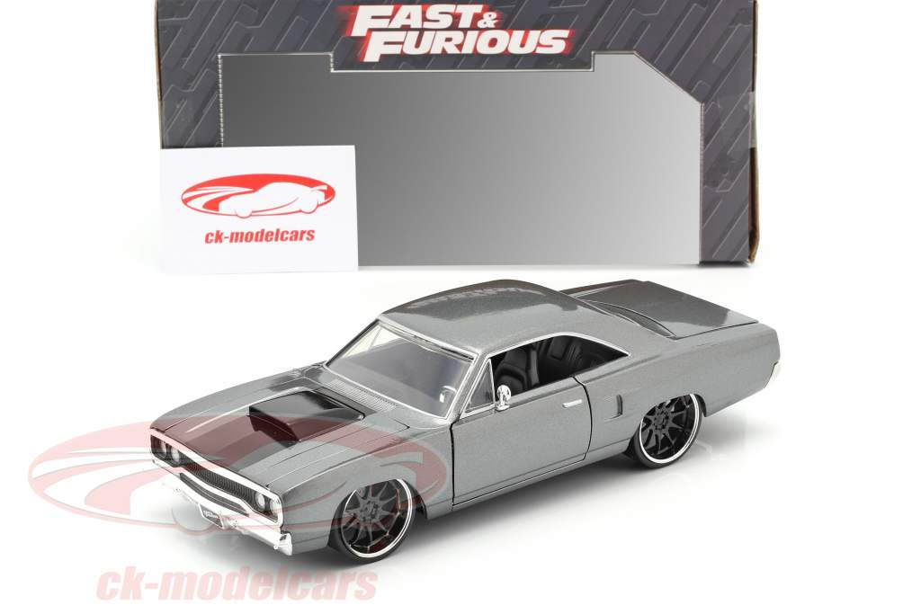 Dom's Plymouth Road Runner filme Fast & Furious: Tokyo Drift (2006) 1:24 Jada Toys