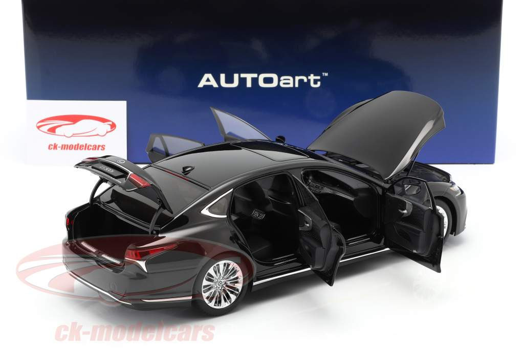 Lexus LS500h year 2018 black 1:18 AUTOart