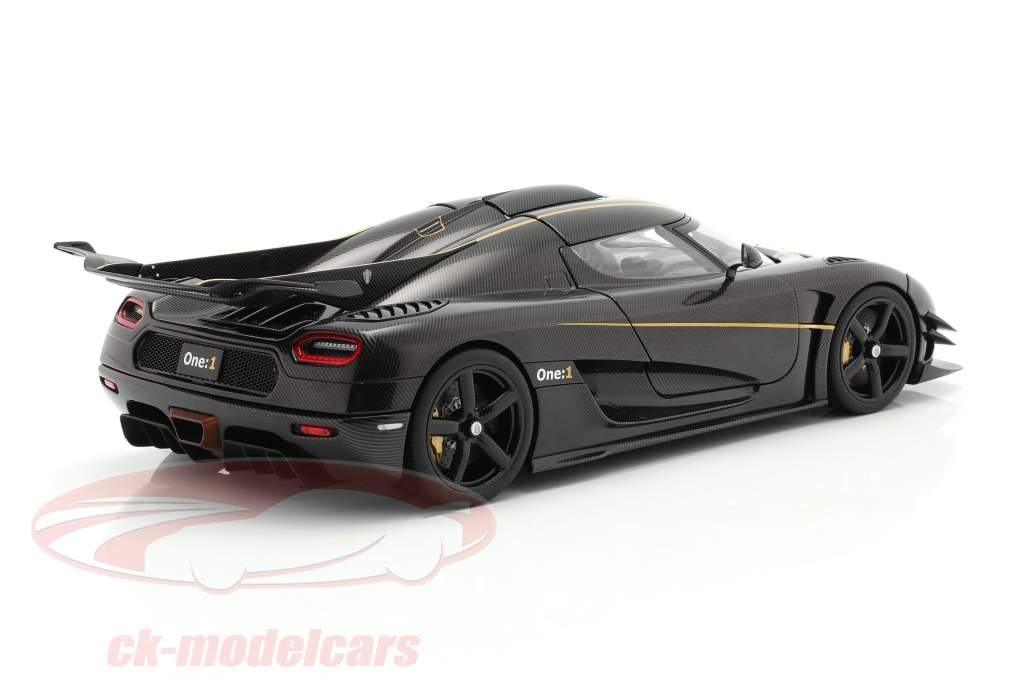 Koenigsegg One : 1 Anno di costruzione 2014 carbonio / nero / oro 1:18 AUTOart