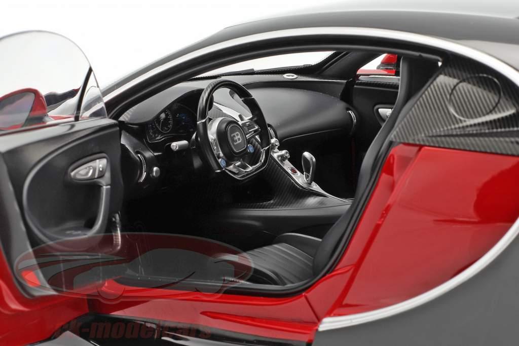 Bugatti Chiron Bouwjaar 2017 rood / zwart 1:12 AUTOart