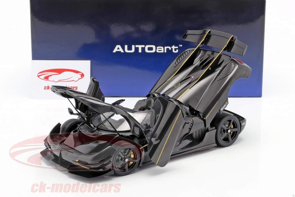 Koenigsegg One : 1 Ano de construção 2014 carbono / Preto / ouro 1:18 AUTOart