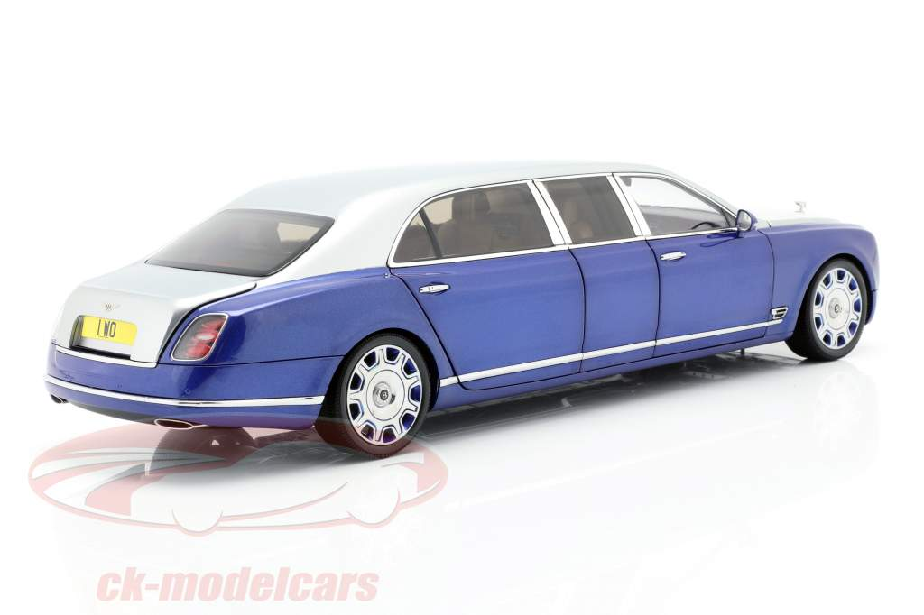 Bentley Mulsanne Grand Limousine by Mulliner plata / azul 1:18 Almost Real