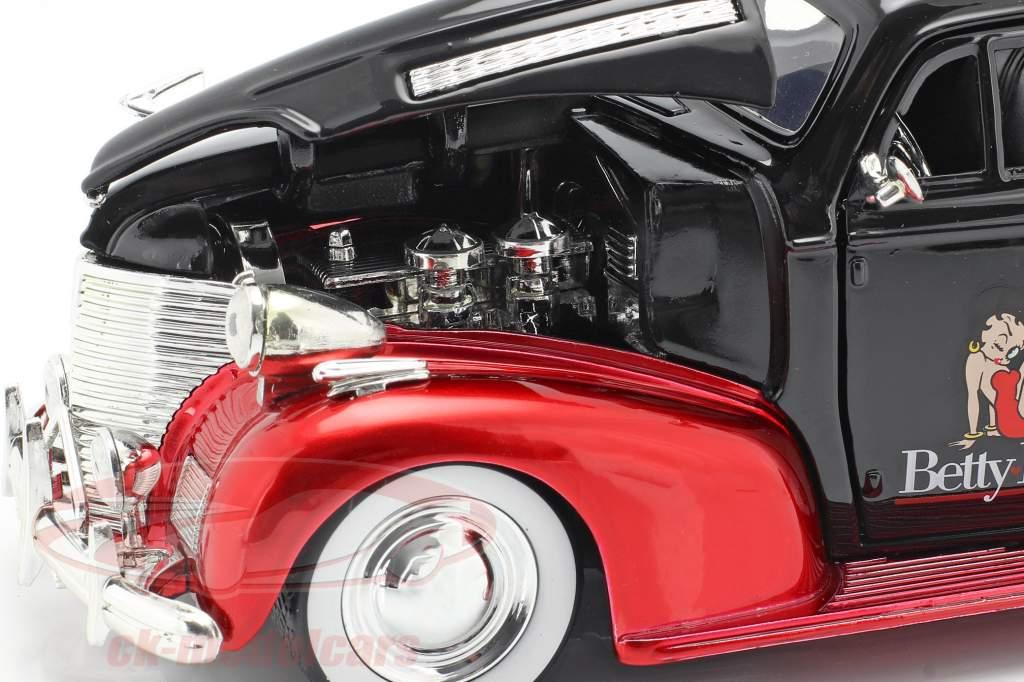 Chevrolet Master Deluxe 1939 Met figuur Betty Boop zwart / rood 1:24 Jada Toys