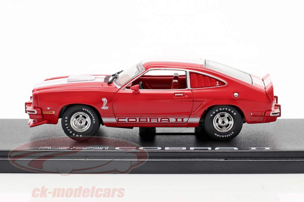 Ford Mustang II Cobra II Baujahr 1976 rot / weiß 1:43 Greenlight