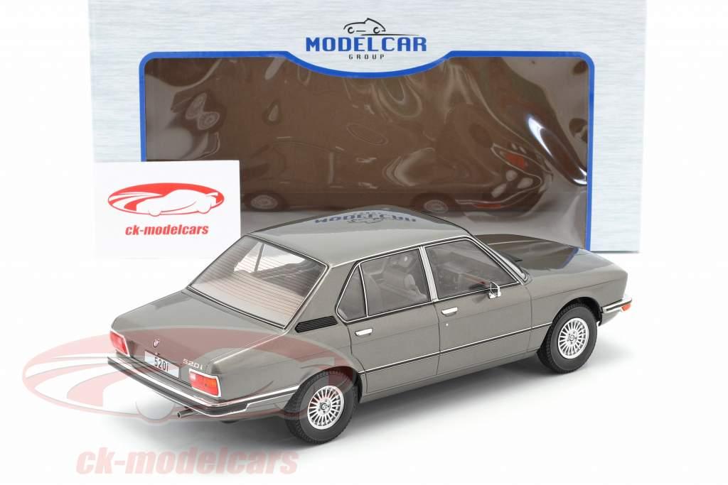 BMW 5-Series (E12) Anno di costruzione 1974 grigio scuro metallico 1:18 Model Car Group