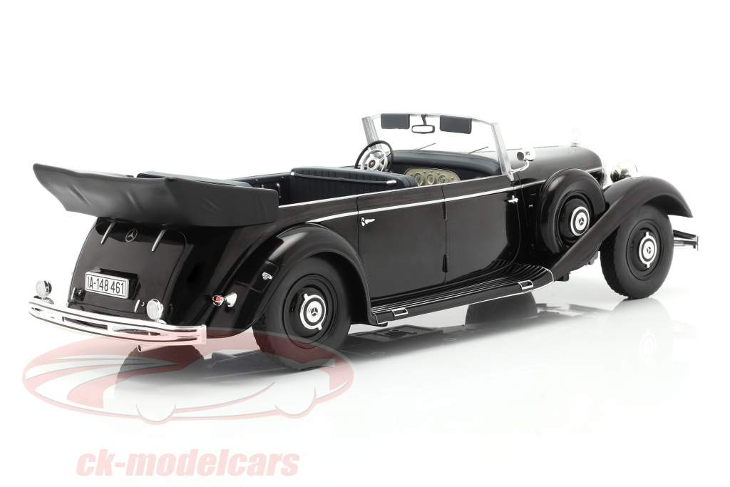 Mercedes-Benz 770 (W150) Cabriolet 1938-1943 schwarz 1:18 Model Car Group