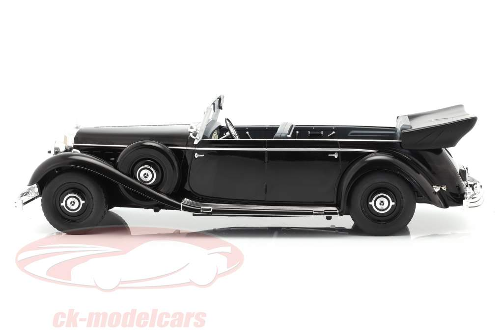 Mercedes-Benz 770 (W150) Cabriolet 1938-1943 sort 1:18 Model Car Group