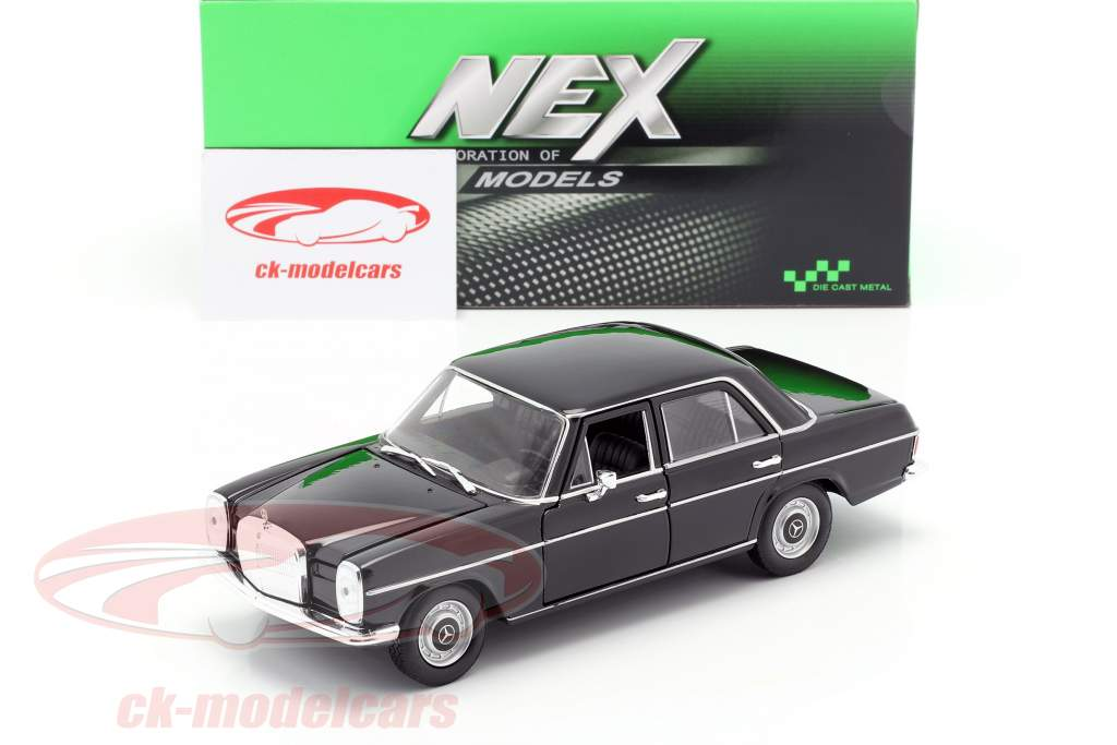 Mercedes-Benz 220/8 (W115) Preto 1:24 Welly
