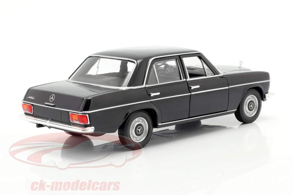 Mercedes-Benz 220/8 (W115) black 1:24 Welly