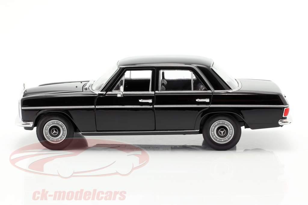Mercedes-Benz 220/8 (W115) nero 1:24 Welly
