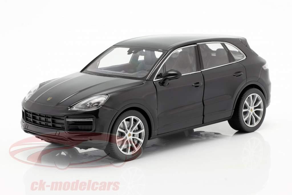 Porsche Cayenne Turbo Bouwjaar 2018 zwart 1:24 Welly