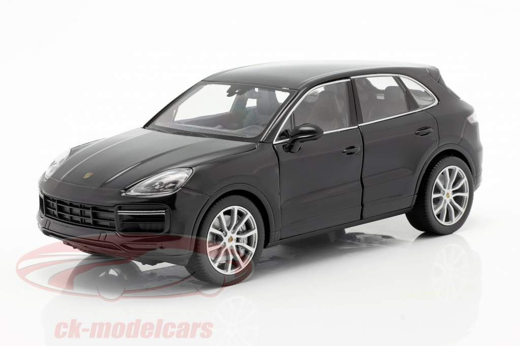 Porsche Cayenne Turbo Byggeår 2018 sort 1:24 Welly