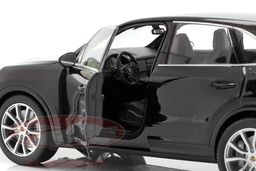 Porsche Cayenne Turbo Año de construcción 2018 negro 1:24 Welly