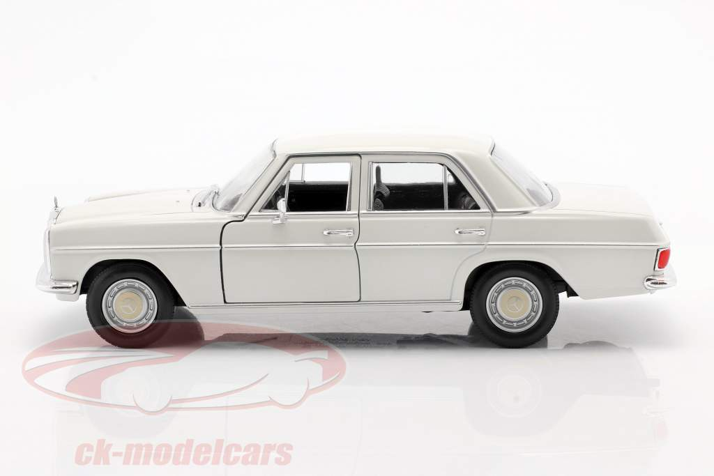 Mercedes-Benz 220/8 (W115) creme Branco 1:24 Welly