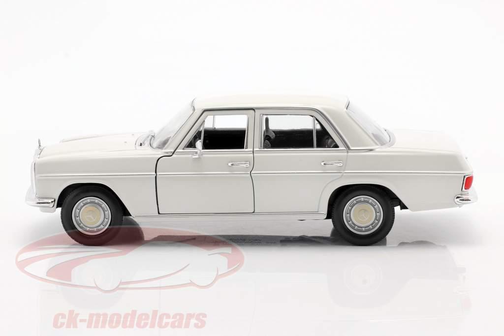 Mercedes-Benz 220/8 (W115) fløde hvid 1:24 Welly