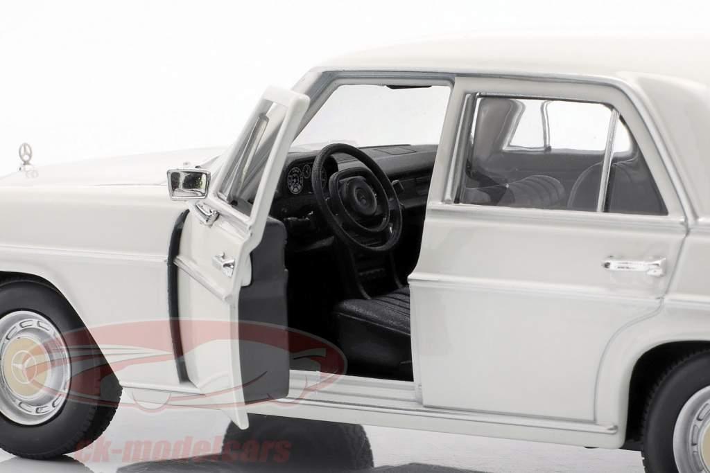 Mercedes-Benz 220/8 (W115) crema bianca 1:24 Welly