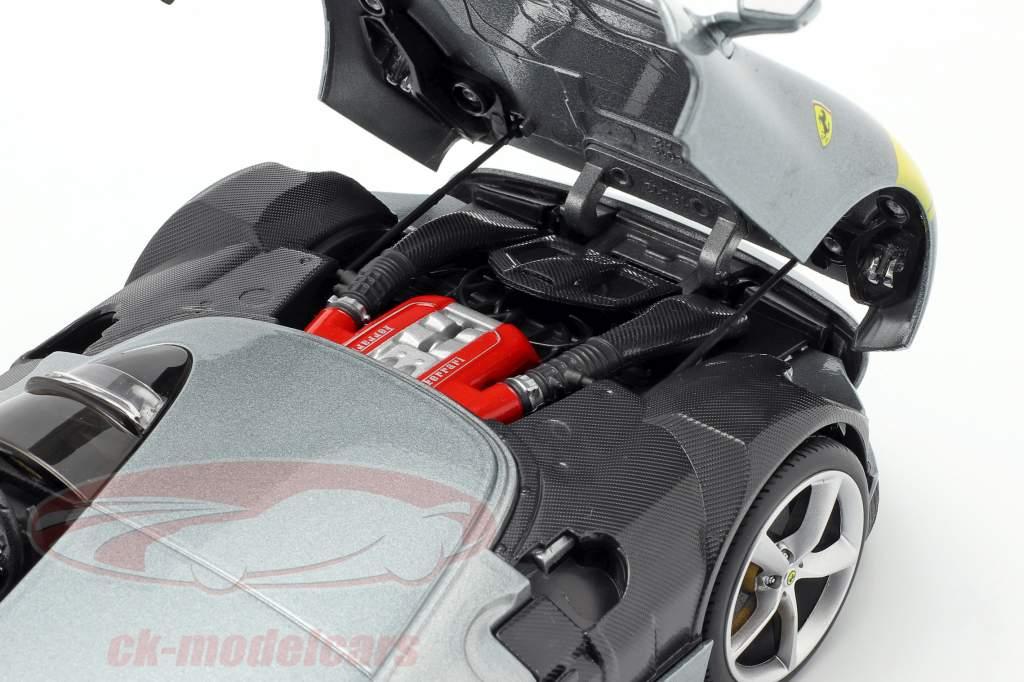 Ferrari Monza SP1 Bouwjaar 2019 Grijs metalen / geel 1:18 Bburago