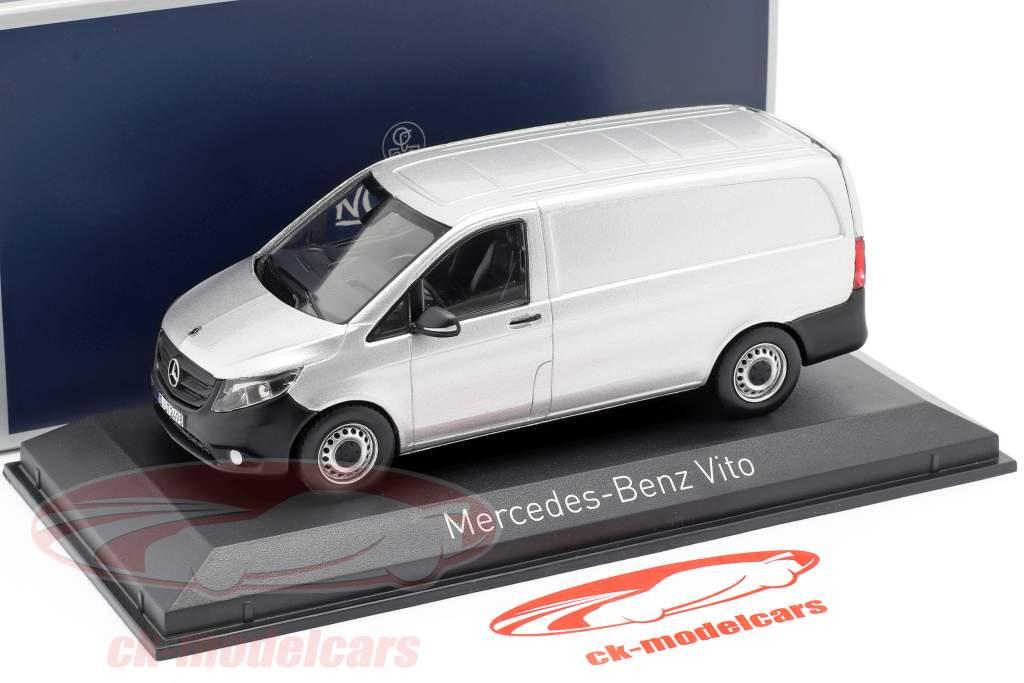 Mercedes-Benz Vito Ano de construção 2015 prata 1:43 Norev