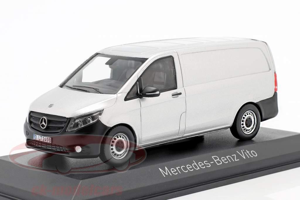 Mercedes-Benz Vito Byggeår 2015 sølv 1:43 Norev