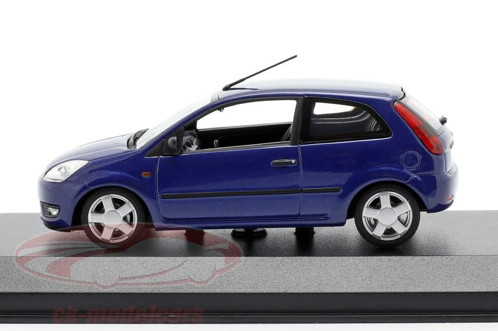 Ford Fiesta Bouwjaar 2002 blauw metalen 1:43 Minichamps