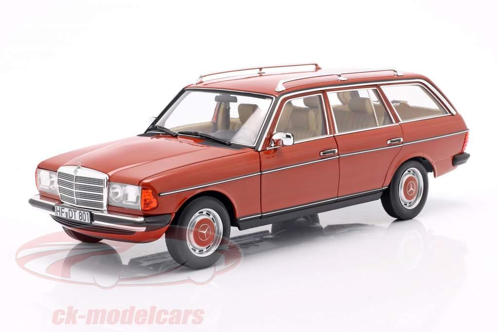 Mercedes-Benz 200 T (S123) Anno di costruzione 1982 Inglese rosso 1:18 Norev