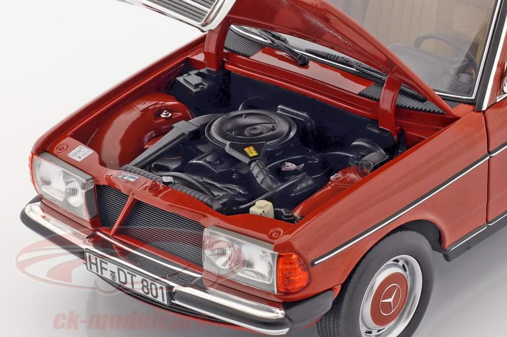 Mercedes-Benz 200 T (S123) Bouwjaar 1982 Engels rood 1:18 Norev