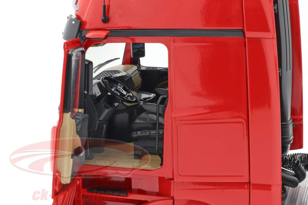Mercedes-Benz Actros Gigaspace 4x2 un camion Facelift 2018 rouge 1:18 NZG