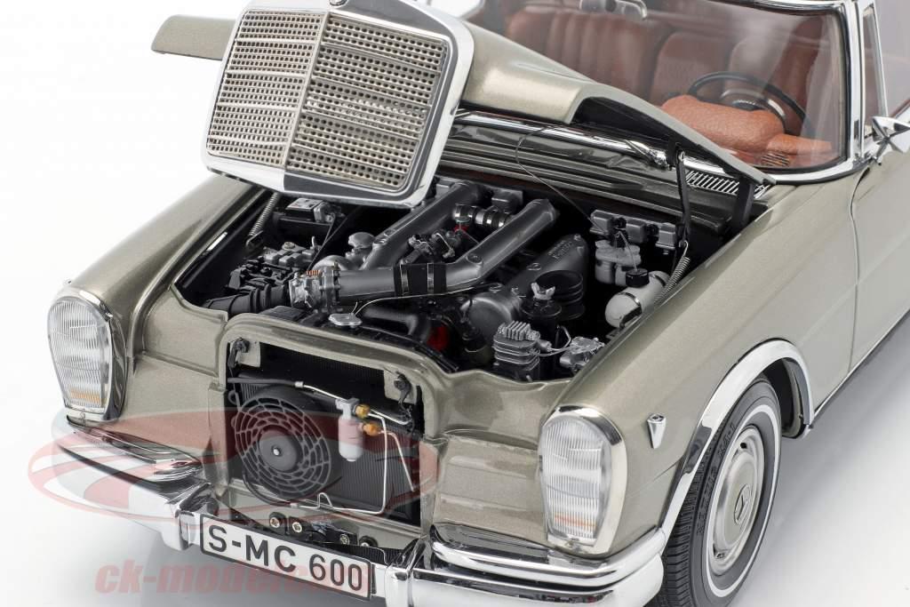 Mercedes-Benz Pullman (W 100) Limousine Med soltag mink Grå 1:18 CMC
