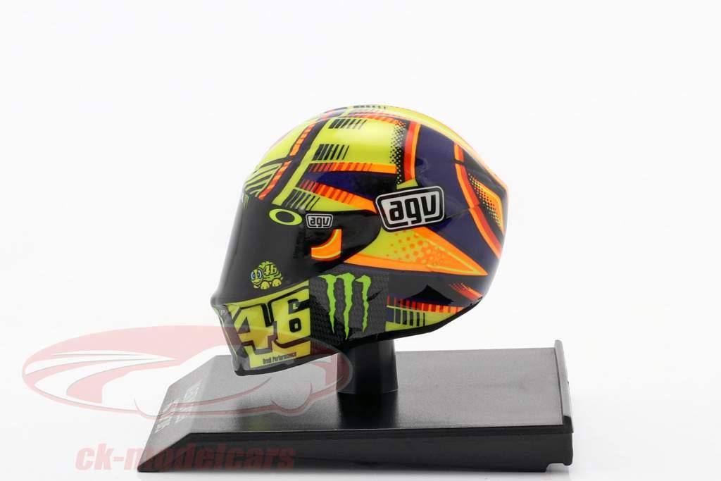Valentino Rossi Yamaha YZR-M1 #46 MotoGP 2015 1:10 Minichamps