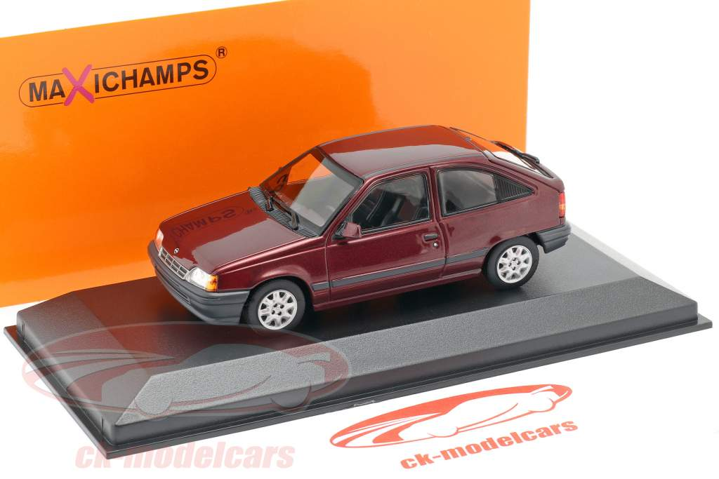 Opel Kadett E Construction year 1990 red metallic 1:43 Minichamps