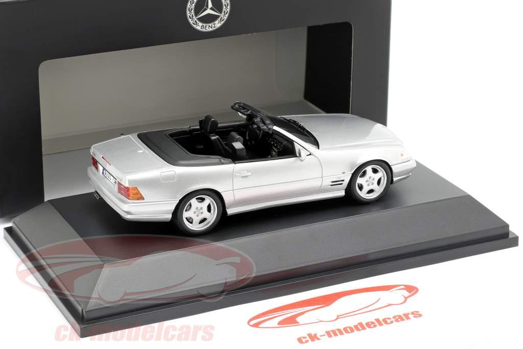 Mercedes-Benz SL 73 AMG Byggeår 1999 sølv 1:43 Spark