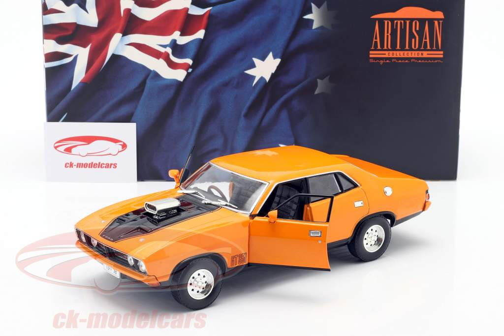Ford Falcon XB GT 351 4-Door Sedan Byggeår 1974 orange 1:18 Greenlight